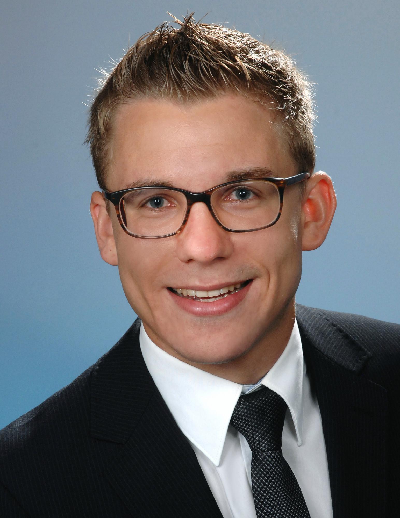 Dr. Johannes Stübinger