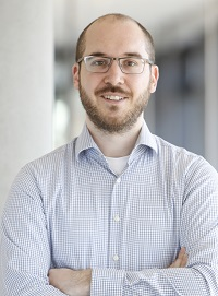 Dr. Alexander Glas
